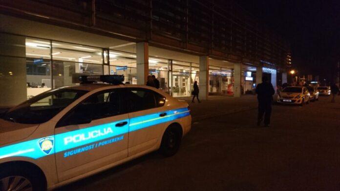 Naoružani razbojnici ukrali novac u poslovnicu u Vukovarskoj