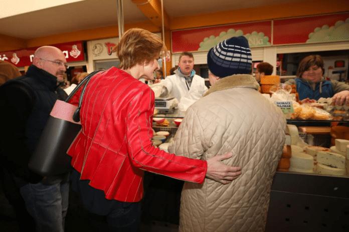 Sandra Švaljek jutros je obišla tržnice