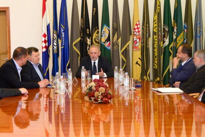 Božinović primio istaknute članove