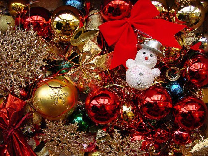 1280px-Happy_new_year_06463