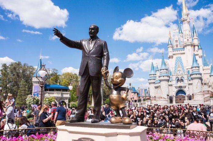 Zaposlenici Disney Worlda bit će plaćeni za primanje COVID-19 cjepiva