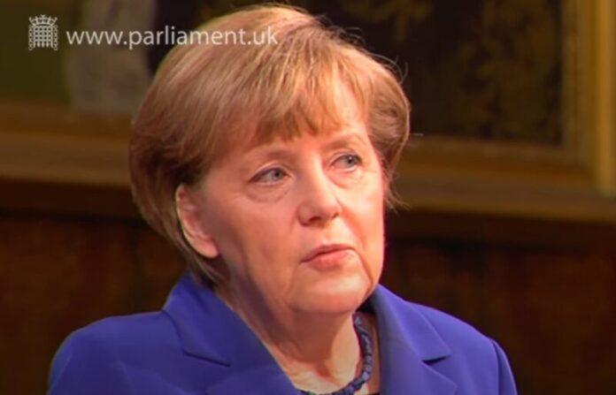 Angela Merkel jednim telefonskim pozivom spriječila rat