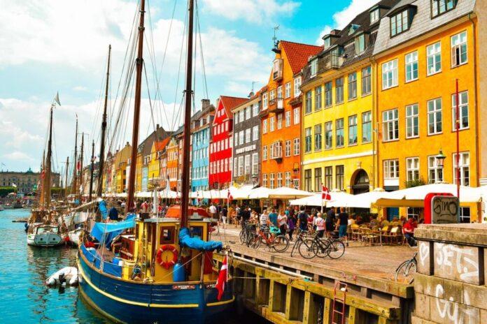Suspendiran danski šef vojne obavještajne službe