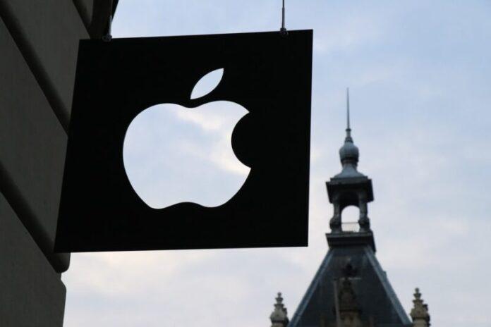 Ruske vlasti zaprijetile Appleu i Googleu novčanim kaznama zbog aplikacije koju su izradili saveznici Alexeya Navalnyja