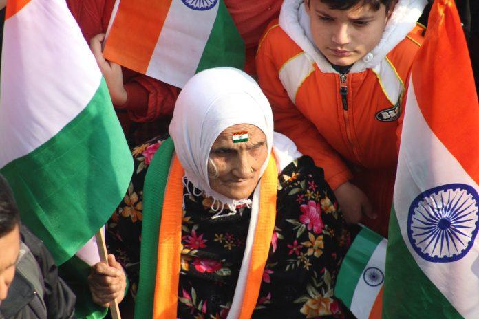 Indija ukinula zabranu 4G mobilnog interneta u Kašmiru