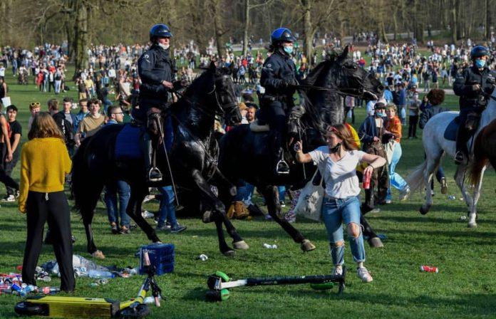Belgijska policija vodenim topovima i suzavcem rastjerala lažni festival koji je započeo kao prvoaprilska šala