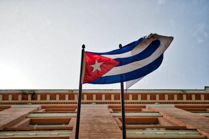Pariz: Kubansko veleposlanstvo napadnuto benzinskim bombama