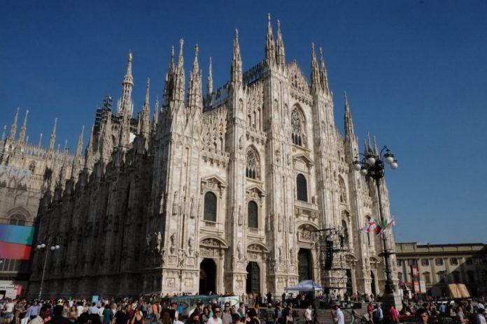 Milano: Osam mrtvih u padu aviona